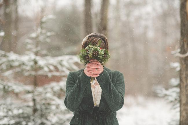 a few tips for picking your winter wedding flowers