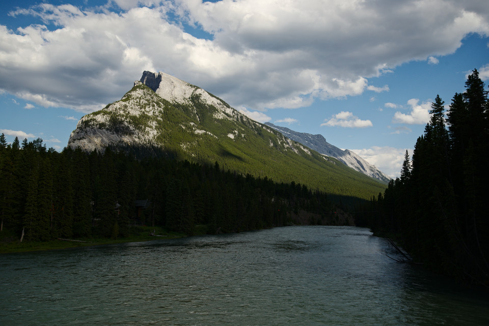 super view Mountains and Lake