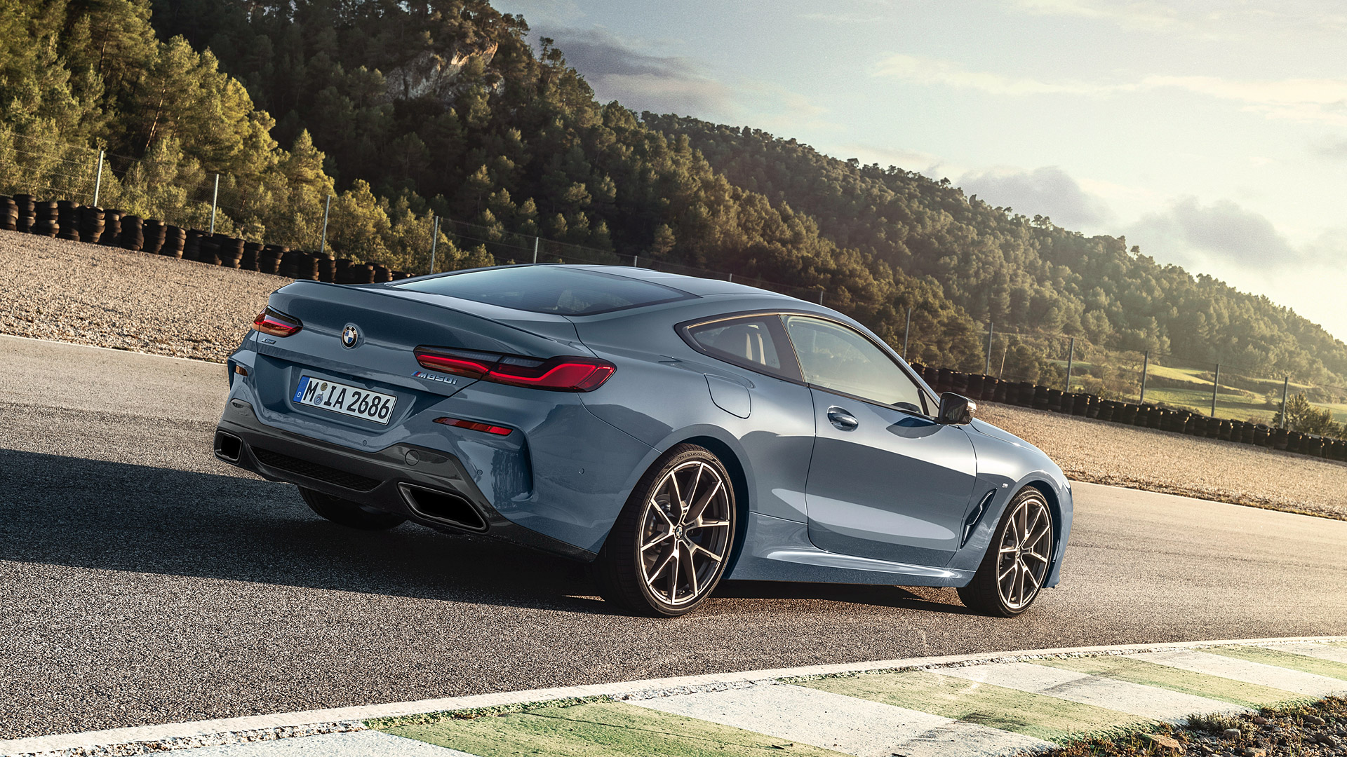 2019 BMW 8 Wallpapers