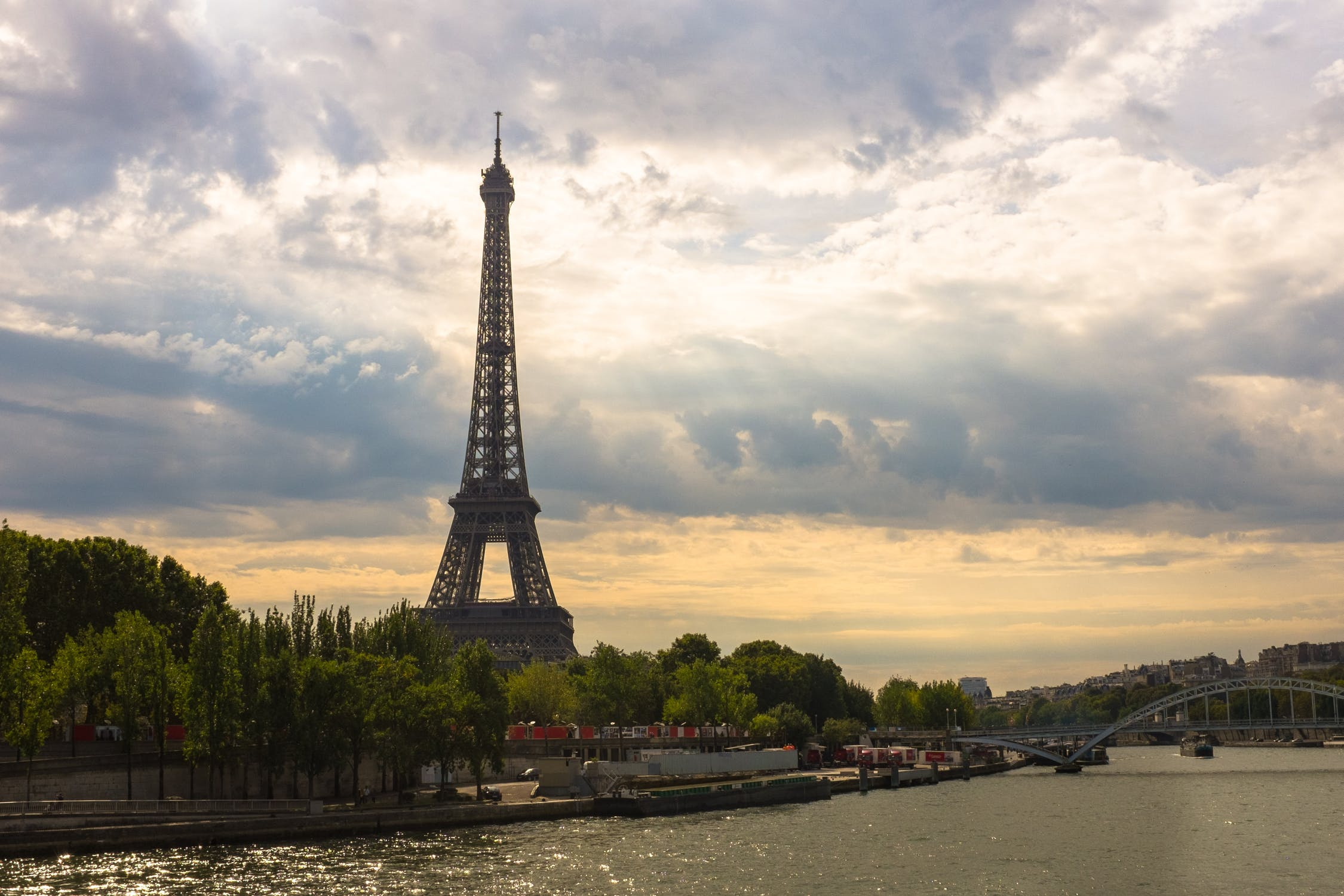 cloudy weather HD Paris Backgrounds